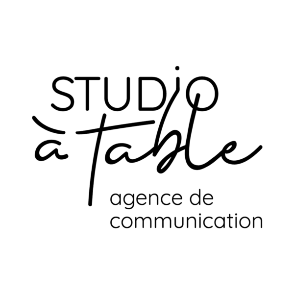 Agence de communication Studio à table